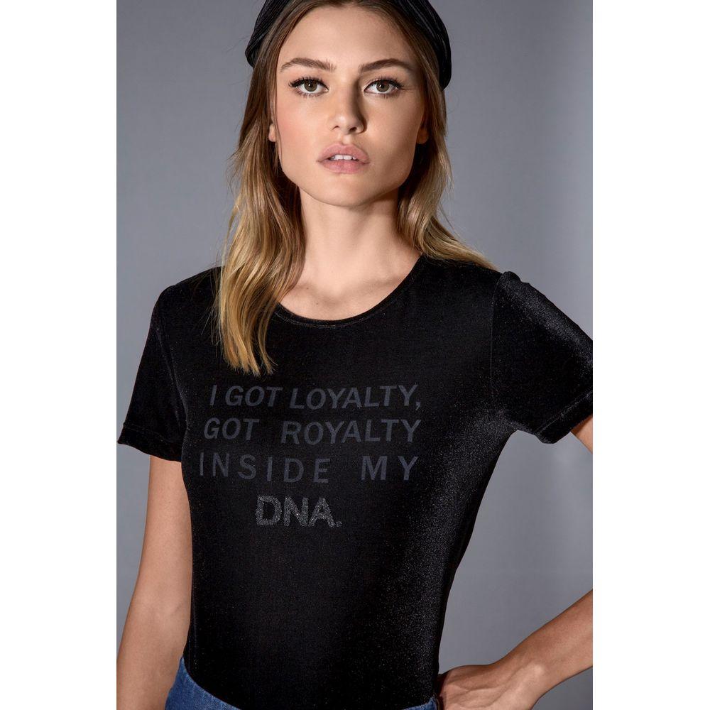 T-shirt-Veludo-Preta-Royalty