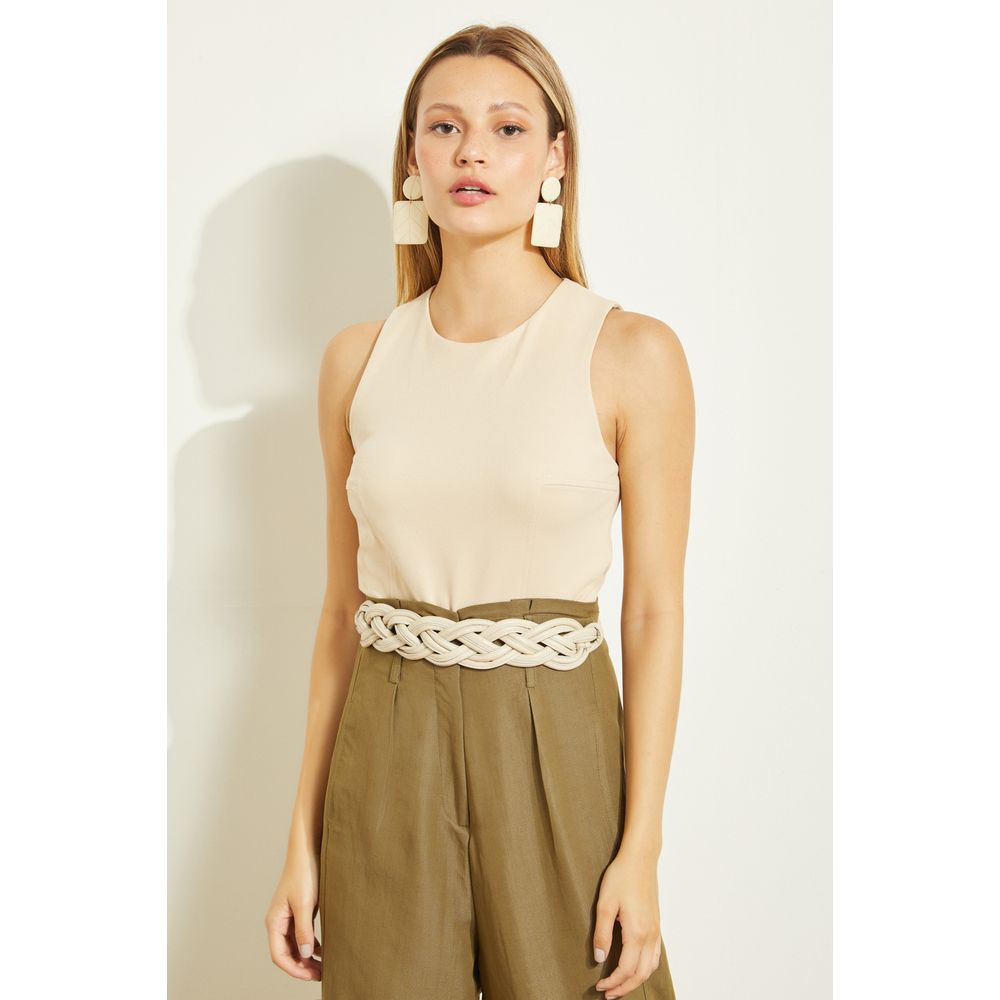 Top-Cropped-Aveia